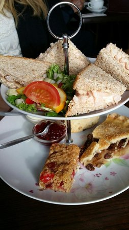 The Singing Kettle Tea Room and Eatery: Afternoon Tea £9.95