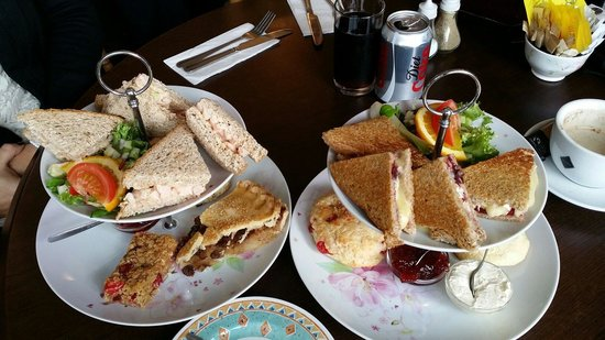 The Singing Kettle Tea Room and Eatery: Afternoon Tea