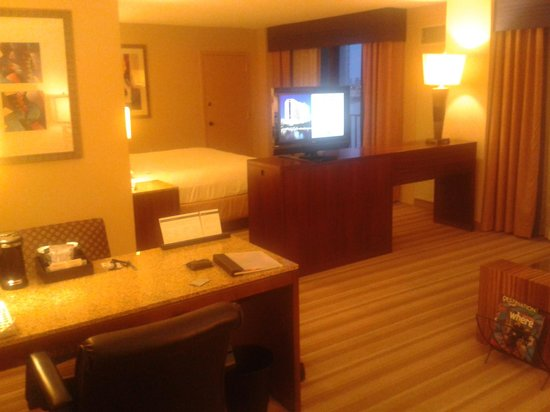 Hyatt Regency Miami: Room as I came in