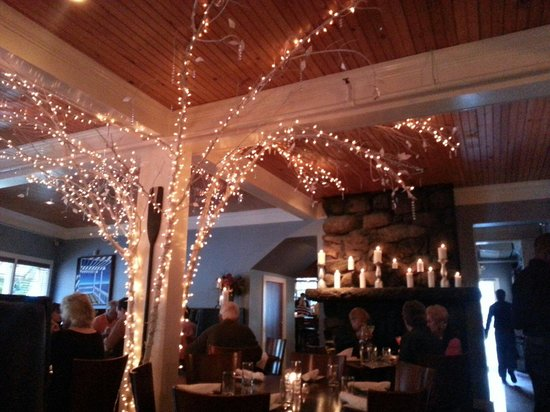 The Front Porch Piano Bar & Restaurant : Great atmosphere!