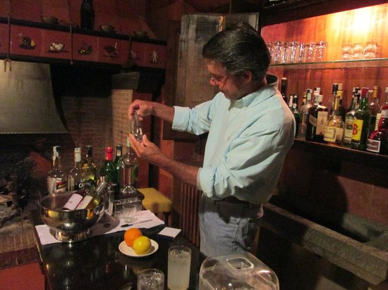 Villa Le Barone: We loved the honor bar where we could mix our own drinks!