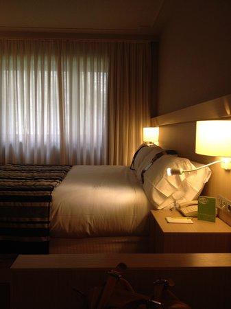 Holiday Inn Andorra : Spaziosa, pulita, elegante e funzionale. Cosa chiedere di più ad una camera di Hotel?