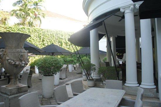 Paradise Road Tintagel Colombo: Terrace restaurant