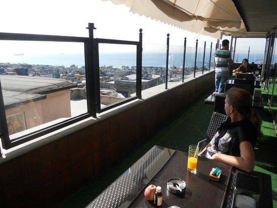 Antik Hotel Istanbul: Aussicht von der Terasse im Essbereich