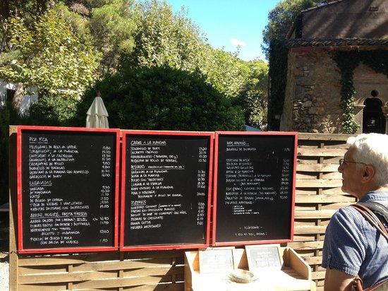 Hostal Sa Rascassa: checking out the daily menu