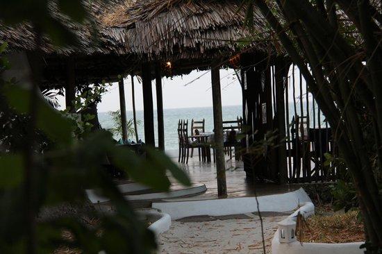 Ras Kutani: Dining area