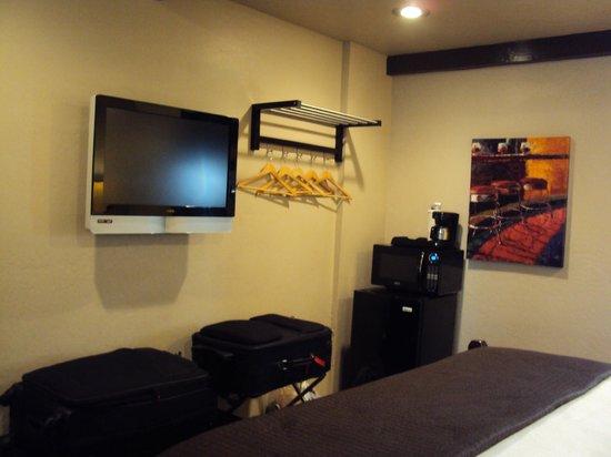 Rodeway Inn & Suites Downtowner-Rte 66 : Zimmer