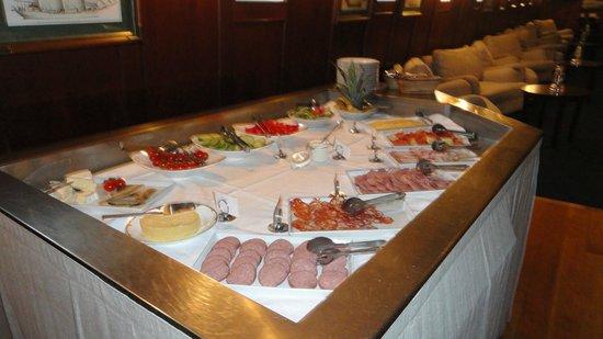 Hotell Barken Viking: Part of breakfast buffet