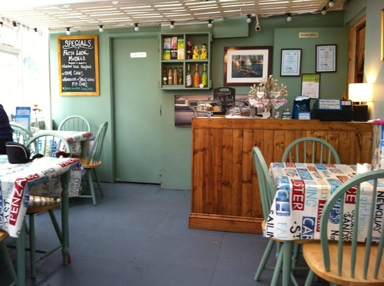 Harbour Rest Cafe: Cosy interior