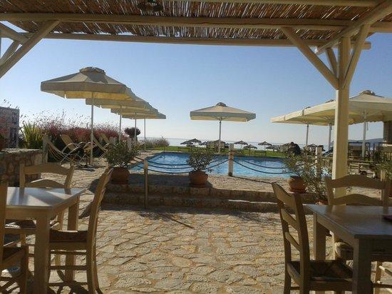 Castello Antico Beach Hotel: Πισίνα-εστιατόριο