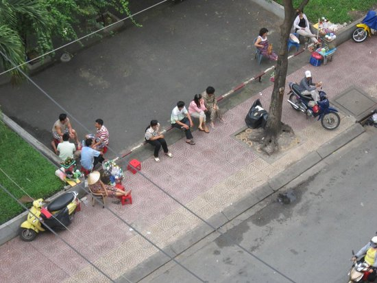 Vien Dong Hotel : Park vor dem Hotel