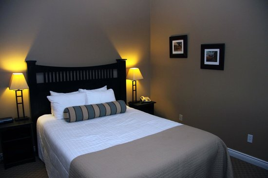 Mountain Springs Resort and Conference Centre: Bedroom