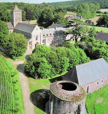 Hôtel Les 13 Assiettes : Abbaye de la Lucerne