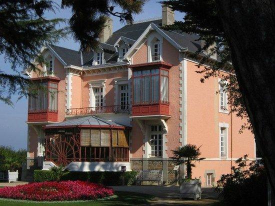 Hôtel Les 13 Assiettes : Dior Museum
