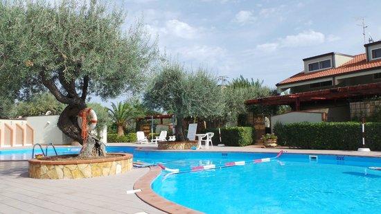 Residence Fontana Barone : Pool