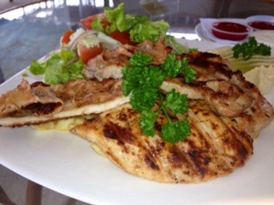 Yasmin Restaurant : grill chicken with garlic sauce