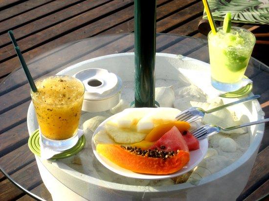 Aram Yami Hotel: Tasty Poolside Caipirinhas