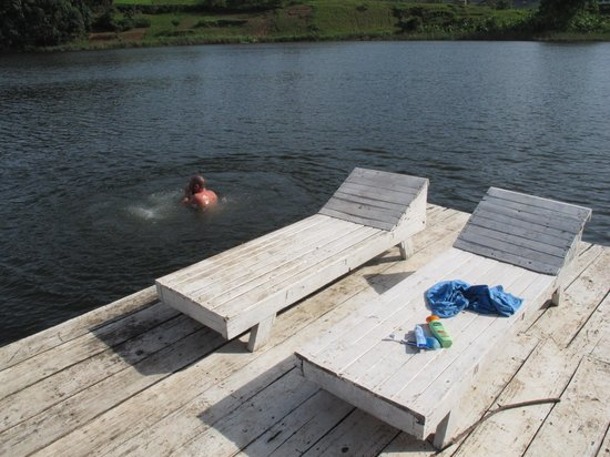 Byoona Amagara: SWIMMING PONTOON