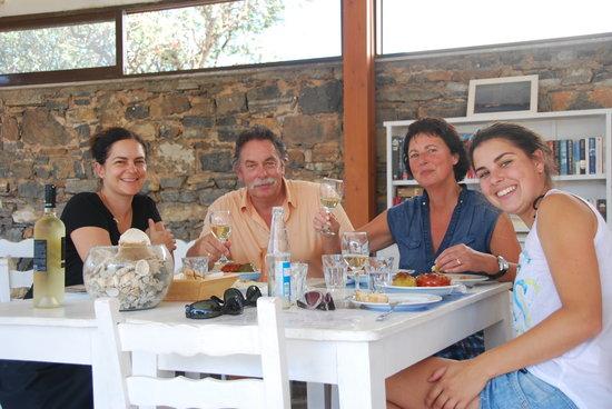 Elounda Island Villas Art Cafe: kali orexi!