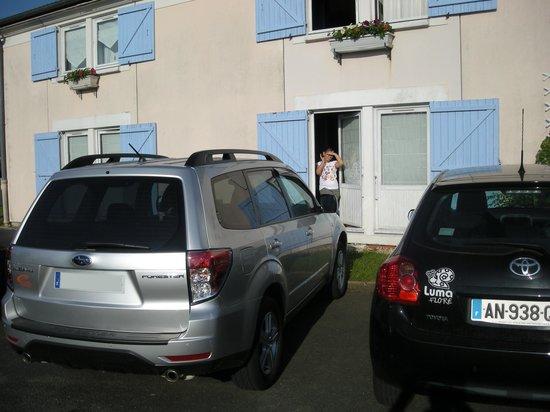 Brit Hotel Poitiers Beaulieu : Poitier junto a la habitación