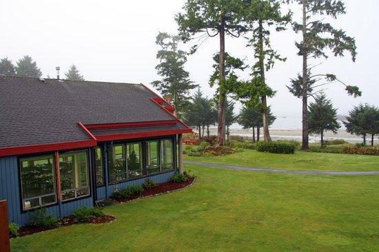Best Western Tin Wis Resort: Blick von der Terrasse auf das Restaurant