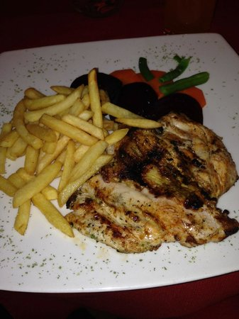 Fusiones Restaurant: Grilled chicken and chips