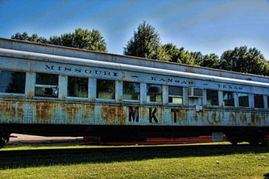 Fort Smith Trolley Museum: Old train at Trolley Museum