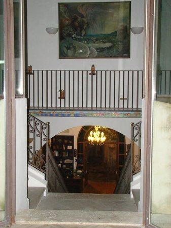 Ristorante Albergo La Casa di Gianna: View down to the lobby