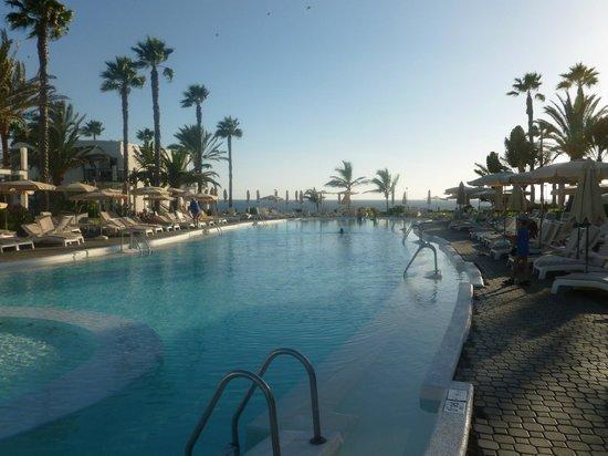 Hotel Riu Palace Meloneras : Second Pool Area