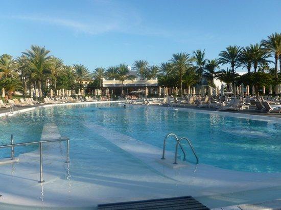 Hotel Riu Palace Meloneras : Main Pool area