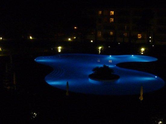 Residence Salina Bay : la piscine le soir