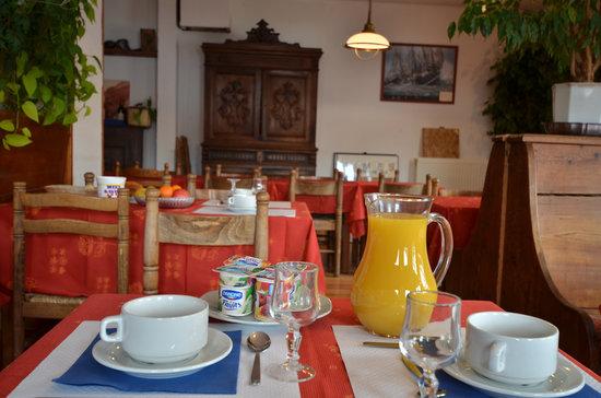 Les Seracs : salle petit dejeuner