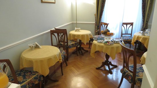 Residenza Cellini: breakfast area