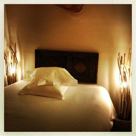 Le Jardin de Marie: Chambre Acanthe, lit dans la mezzanine