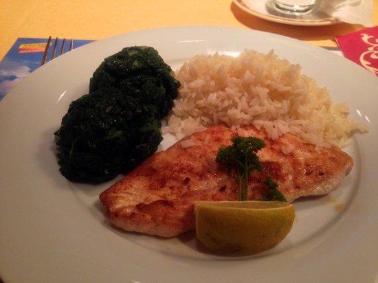 Restaurant Kreuz & Post: Chicken with vege and rice.