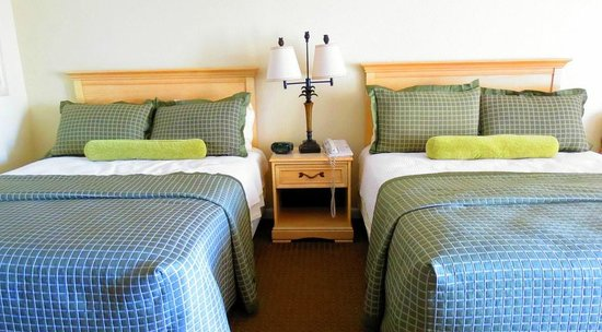 Surf Side Hotel: Two Double Beds
