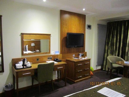 BEST WESTERN Kings Manor Hotel: Club Room