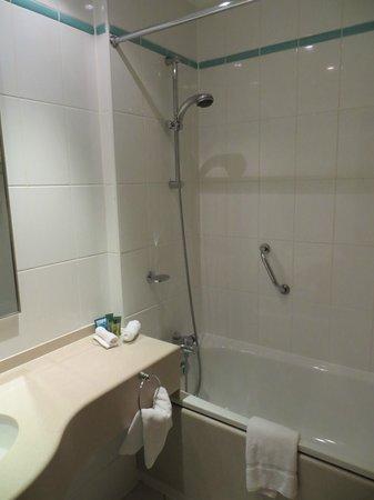Hilton Bristol Hotel: Bathroom