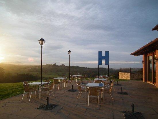 Hotel- Spa Verdemar: Atardecer en la terraza.