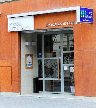 Portal Asturiano Restaurante: Nueva fachada del Portal Asturiano