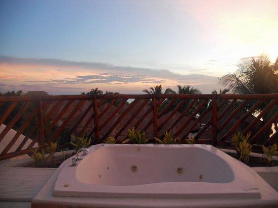Sunscape Sabor Cozumel: jacuzzi on the balcony