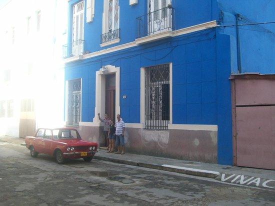 Casa Hilda y Alejandro: Frente a la casa