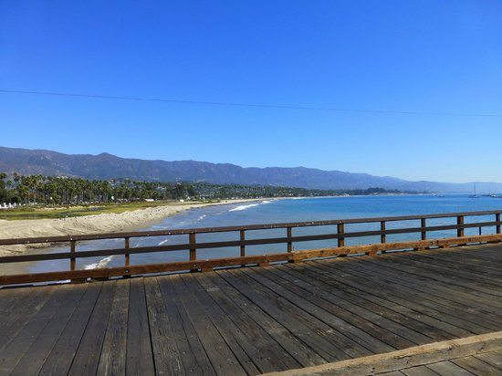 Coast Village Inn: Santa Barbara pier and waterfront.