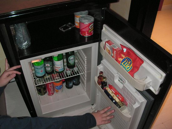 Agape Hotel: full minibar with good prices