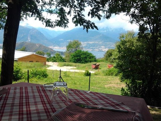 Bel Sit, vista dalla veranda esterna sul lago - Foto di ...