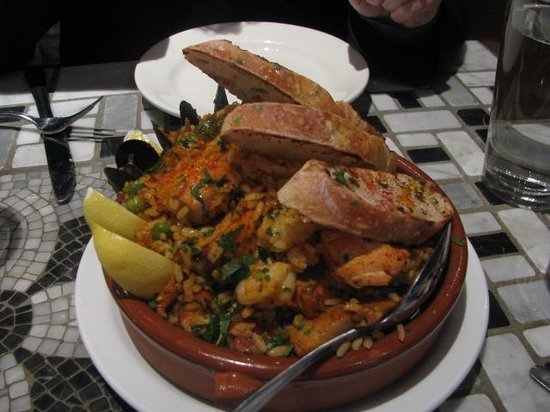 Barrio : Paella for two