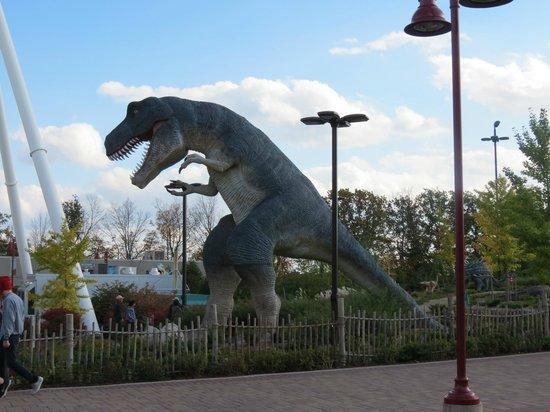 Comfort Inn Clifton Hill - Niagara Falls Hotel: Dinosaur Mini Golf