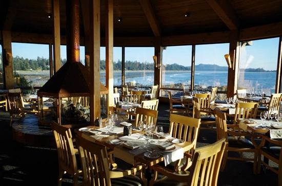Wickaninnish Inn and The Pointe Restaurant: Pointe Restaurant looking its best!
