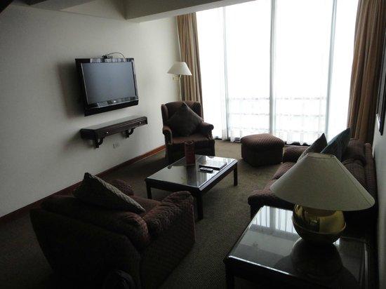 Thunderbird Hotels Fiesta Hotel & Casino: living room