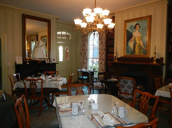 Adele Turner Inn: The dining room